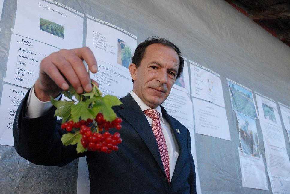 """Ataiyibiner, """"Organik Tarım Gelecek Vadediyor"""""""