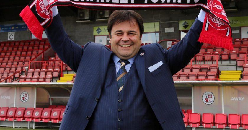 """Yönetimi Türk, İngiliz Takımı """"Crawley Town"""""""